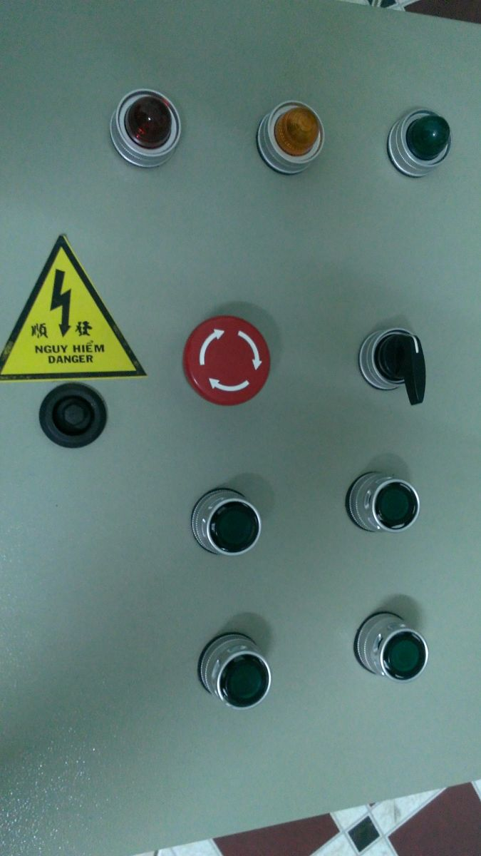 Tủ điều khiển 03